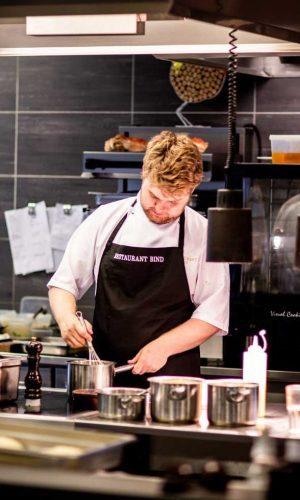 pexels-rene-asmussen-chef-in-commercial-kitchen
